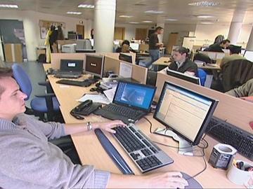 La OCDE revela en un estudio que los españoles trabajan más horas que los alemanes.