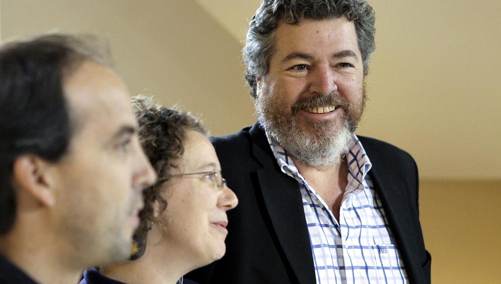 López de Uralde, dirigente de Equo, presenta al candidato a lehendakari por la formación, Aitor Urresti