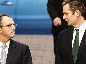 Iñaki Urdangarin y su abogado, Mario Pascual Vives.