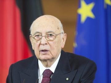 Napolitano inicia las consultas para buscar un Gobierno a Italia