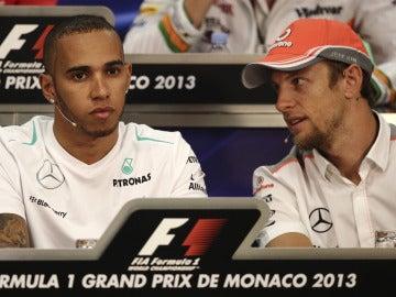 Hamilton y Button en la rueda de prensa de la FIA
