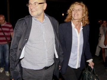 El exalcalde de Ourense, el socialista Francisco Rodríguez, acompañado por su mujer
