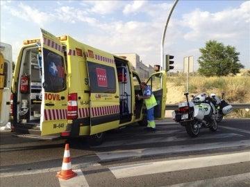 Fotografía facilitada por la Comunidad de Madrid de una ambulancia del Summa 112