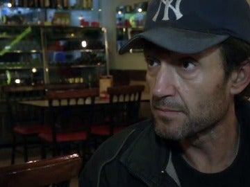 Javier espera en Perú a su mujer presa