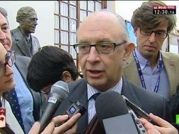 """Cristóbal Montoro no tiene """"ninguna intención"""" de volver a subir el IVA"""