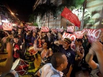 Cientos de manifestantes protestan en las calles de Sao Paulo