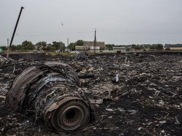 Restos del avión de Malaysia Airlines derribado en Ucrania
