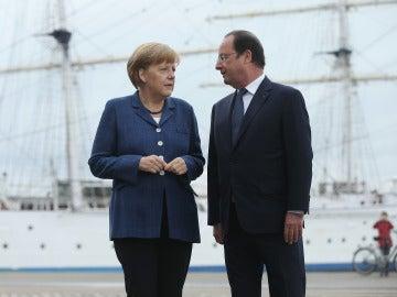 La canciller alemana, Angela Merkel, y el presidente francés, François Hollande