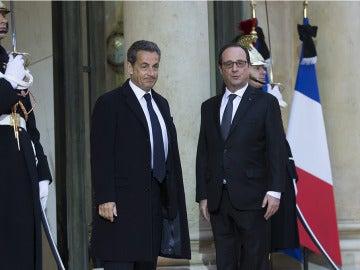Hollande y Sarkozy, unidos ante los ataques yihadistas