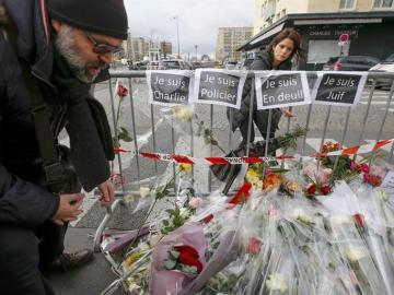 París homenajea a las víctimas de los atentados