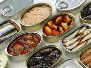 Imagen de archivo de unas latas de conserva
