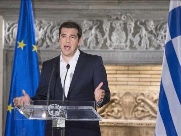El primer ministro griego Alexis Tsipras dirigiéndose a la nación después de los resultados del referéndum