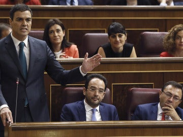 El líder del PSOE, Pedro Sánchez, durante una intervención en el pleno del Congreso