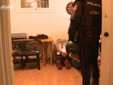 Los 'Policías en acción' intervienen en una pelea en la calle