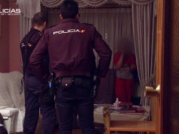 Los agentes de 'Policías en acción' convencen a la víctima de que denuncie