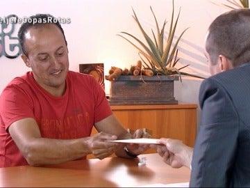 """El Jefe Infiltrado, a Quique: """"He decidido recompensarte con un aumento de sueldo del 10%"""""""
