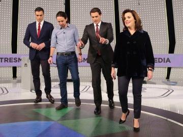 Los candidatos y la vicepresidenta, en el debate de Atresmedia