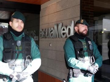 La Guardia Civil registra la sede de la empresa acuaMed