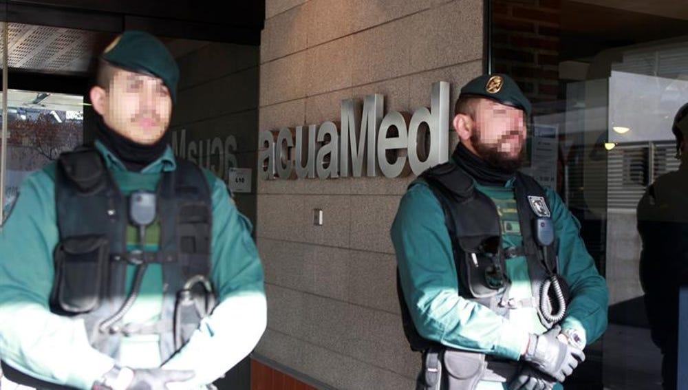 La Guardia Civil registra la sede de la empresa acuaMed