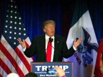 El candidato presidencial Republicano y empresario estadounidense Donald Trump