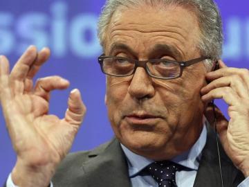 """Bruselas respalda a España en la aplicación de los """"rechazos en frontera"""", las llamadas """"devoluciones en caliente"""" de inmigrantes"""