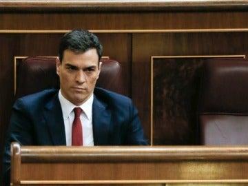 Pedro Sánchez durante la segPedro Sánchez durante la segunda sesión de investiduraunda votación de investidura