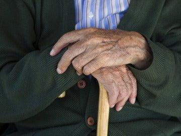 Manos de un anciano (Archivo)