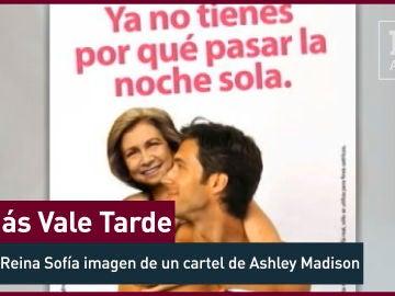 2012. La Reina Sofía, protagonista del cartel de una agencia de adulterios