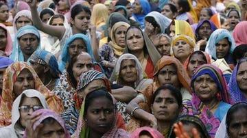 Concentración de un grupo de mujeres en India