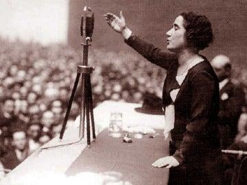 Clara Campoamor, abogada y política española