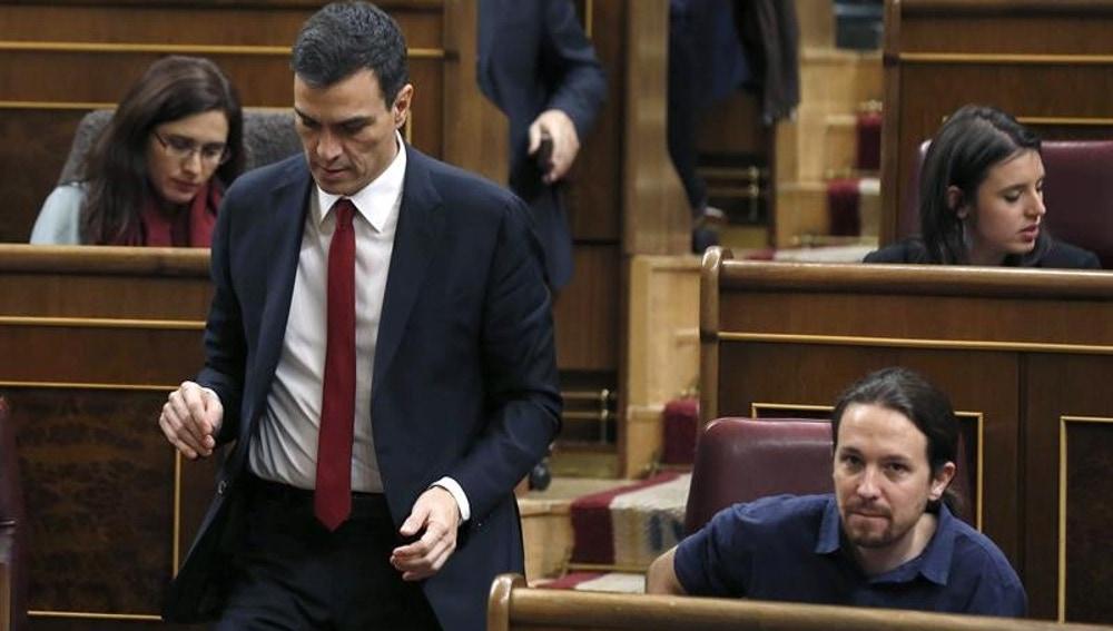 Pedro Sánchez y Pablo Iglesias en el Congreso