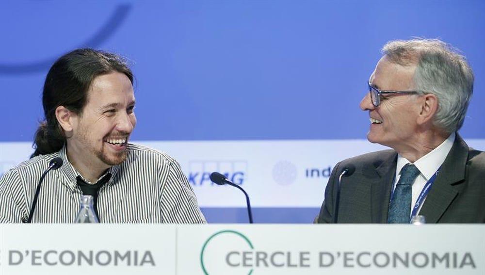 Pablo Iglesias junto a Antón Costas