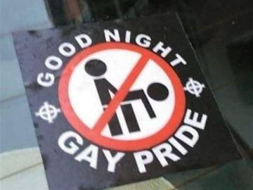 Pegatinas homófobas en Madrid