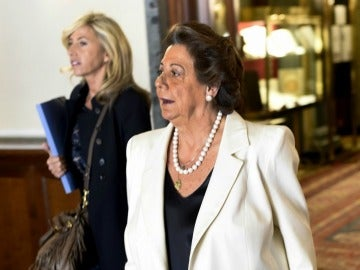 Barberá presenta sus credenciales en el Senado