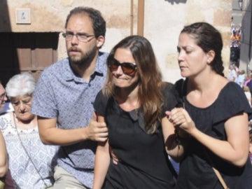 Raquel Sanz, en el entierro de Víctor Barrio