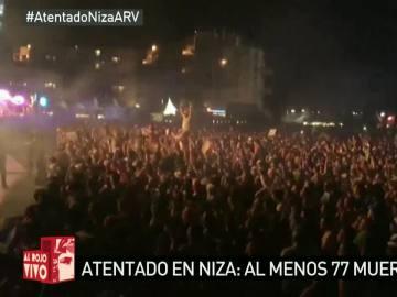 Cantan la Marsellesa en un festival tras los atentados en Niza