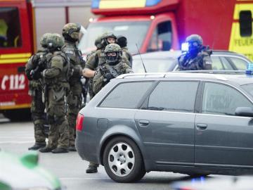 La policía alemana se dirigen al centro comercial Olympia de Múnich
