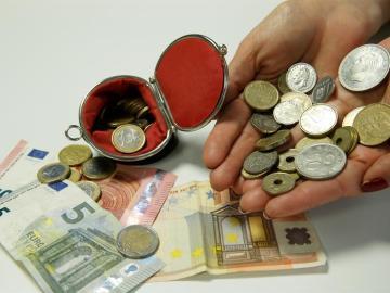 Monedas de euro y de pesetas de diferentes valores