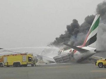 Avión de Emirates tras un aterrizaje forzoso en Dubái