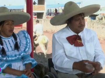 Frame 14.874212 de:  El sueño de Salvador: a pesar de su silla de ruedas, se convertirse en un 'charro mexicano' gracias a un 'pararrodeo'