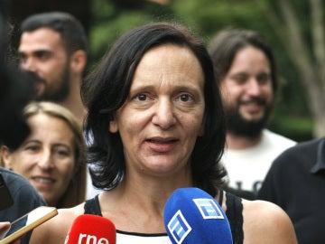 Carolina Bescansa hace declaraciones a los periodistas