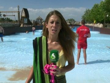Isabel Zubiaurre en un parque acuático