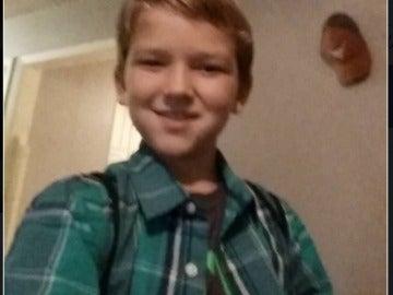 Kayden el niño de 10 años que fue rociado con gasolina