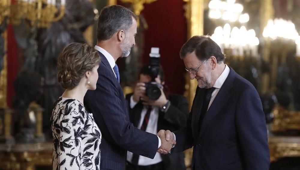 El presidente del Gobierno en la recepción oficial de los Reyes en el Palacio Real