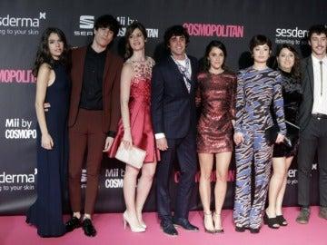 Equipo de 'Paquita Salas' en los Premios Cosmopolitan