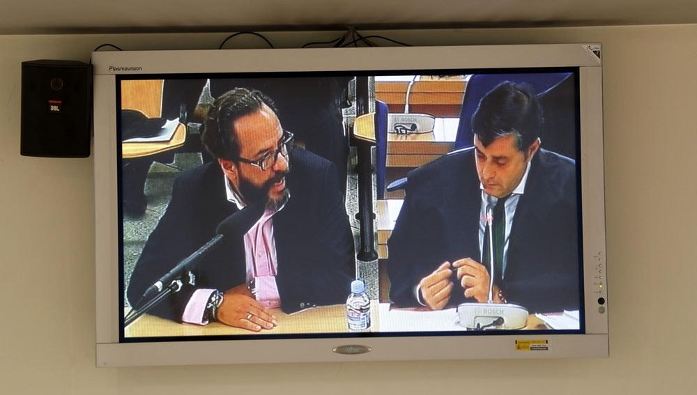 Álvaro Pérez 'El Bigotes' con su abogado
