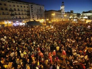 Miles de personas participan en la marcha 'Rodea el Congreso'