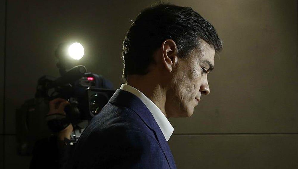 Pedro Sánchez, durante la rueda de prensa posterior a renunciar a su acta de diputado