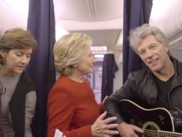 Hillary Clinton y Bon Jovi se animan con el #MannequinChallenge