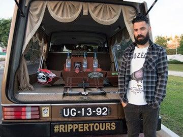 El coche fúnebre que se ha convertido en todo un reclamo turístico